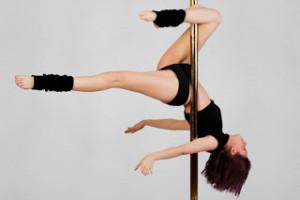Pole Dance untuk perempuan muda
