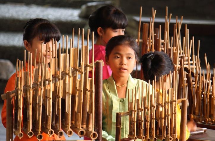 5 Alat Musik Tradisional Indonesia yang Membuat Kita Bangga