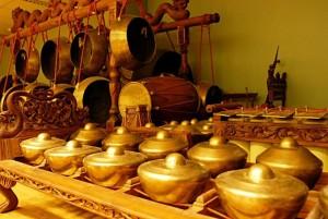 alat-musik-gamelan-khas-indonesia
