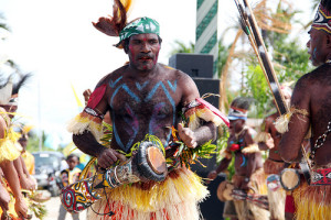 alat-musik-tifa-khas-indonesia