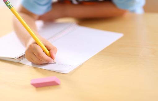 5 Tips Agar Anak Rajin Menulis di Sekolah
