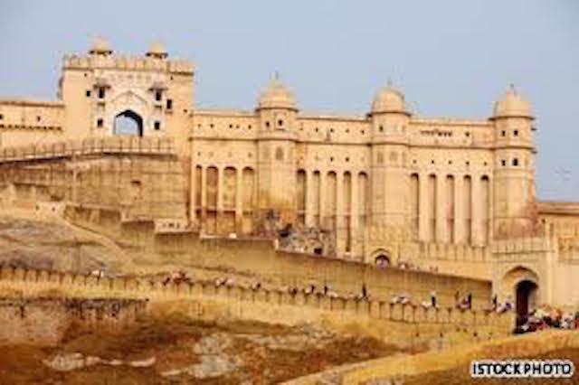 Istana Kota Udaipur, India (sumber)
