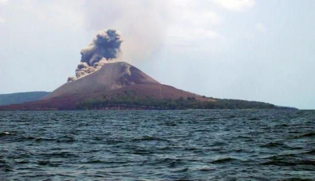anak_gunung_krakatau_lampung