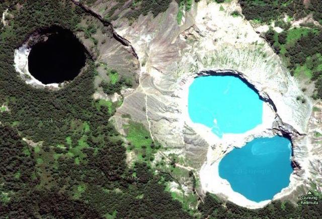 Danau Kelimutu (sumber)