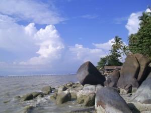Pantai Kijing (sumber)