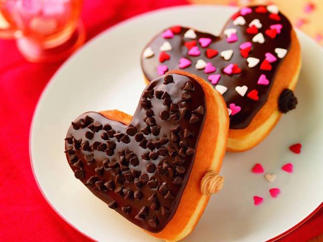 donat cinta bentuk hati