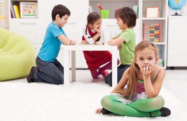 anak pemalu tidak menyukai kerja kelompok